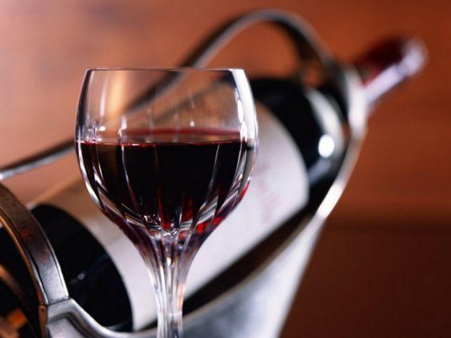 Зачем советуют вино разбавлять водой